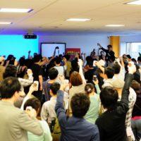 今年のWordCampTokyo2013の実行委員長、大串さんによる乾杯。